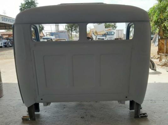Cabine Mercedes Benz 1113/2213 Nua/Antiga