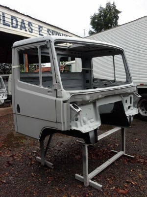 Cabine Mercedes Benz 2638 sem montagens